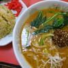 大楽亭 - 料理写真:四川風担担麺と2/3炒飯セット