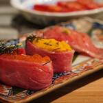広島ホルモン・冷麺・元祖たれ焼肉 肉匣 - 肉寿司3種盛り