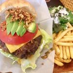 カリフォルニア スタイルキッチン - カルフォルニアハンバーガー (税込1,280円)