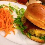 CAFE DAYS - クラシックチーズバーガー1000円