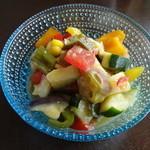 いーとん - 十種の夏野菜サラダ 350円