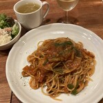 TAKA - パスタランチナポリタン(スープ・サラダ付)850円+グラスワイン450円