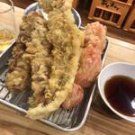 海鮮屋台おくまん - 天ぷら。アナゴはデカい。