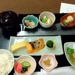 和食 うおまん - 「三日目の『うおまん冬の朝御膳¥2,500』(ɔ˘ω˘ɔ)」 令和二年 晩秋の候