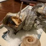 炉ばた焼 漁火 - サザエのツボ焼き