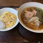 中華屋 KurumA - ラーメン&ミニ炒飯  850円
