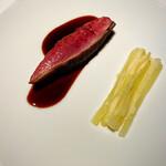 143673655 - 鴨胸肉を東京檜原村のミズナラで焼いて