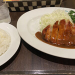 Guriruippei - ポークチャップ定食