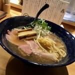 143697145 - 醤油らぁ麺