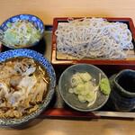 松月庵 - 料理写真:鴨つくねきのこセット ご飯なしで注文したので100円引きの800円