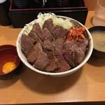 丼やまの - 和牛カルビ丼 肉トリプル+生卵+みそ汁