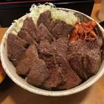 丼やまの - 和牛カルビ丼 肉トリプル