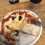 ピザ マーレ - 小さめのナポリピザです。