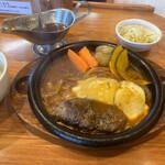 炭焼きハンバーグ 牛吉 - 料理写真: