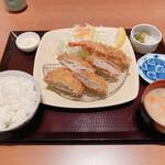 とん勝 武蔵 - 料理写真:盛り合わせランチ(890円)