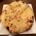 Truly south indian dakshin yaesu - 【チーズナン】850円
