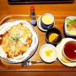 珈琲庭 桜 - 料理写真:ミックスピザのモーニング780円