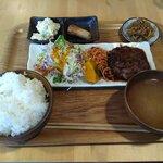 キッチン チカライト - 料理写真:特製ハンバーグ定食