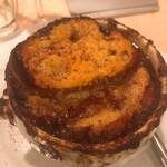 Brasserie Café ONZE - オニオングラタンスープ