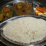 ジャイネパール - 料理写真:ダルバートタルカリセット