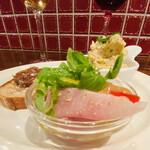 島之内フジマル醸造所 - 鰤のカルパッチョ(。 ・`ω・´) キラン☆