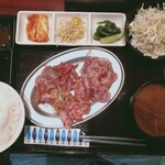 143753958 - 牛三種盛り定食