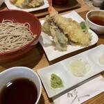 十割舞そば 忠庵 - 料理写真:天ぷら盛合せ十割舞そばセット