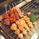 やきとり一番 - 料理写真:がんばって焼いてます♪