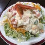 インドレストランシバ - ポテトとシュリンプのサラダ。他の店でも見た事あるメニューだな。