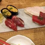 柏 肉寿司 - 寿司の足音盛り合わせ 1600円