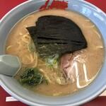 ラーメン山岡家 - 醤油ラーメン中盛り(800円)