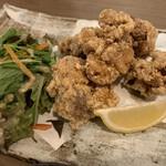 玄海の活魚と糸島直送の食 博多居酒屋 どげん海 - 糸島どりのもも唐揚げ