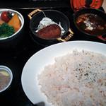 (る)ハレノヒ - 煮込みハンバーグ  1,180円