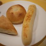 BAQET - シュガーバターロール、醤油チャパタ、チーズロング