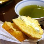 橘昌 文銭堂 - しっとり生地にバタークリームが美味しい♪