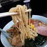 大雄ラーメン - 麺リフトアップ