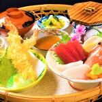 海老徳 - 新鮮な三陸のお刺身と、からっと揚った天ぷらが自慢の「海老徳定食」です!