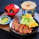 海老徳 - 料理写真:特製だれで焼き上げた「豚カルビ定食」です!
