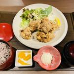 ごはん家 風玄 - 料理写真:「つくば鶏唐揚げ御膳」1,090円税込み(十六穀米バージョン)