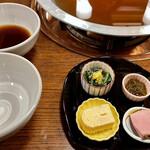 Nishiya - 濃いめのお出汁と、自家製ポン酢。先付け。