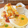 mog - 料理写真:塩キャラメルとバナナのパンケーキ(\1,000)