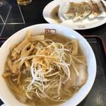 喜多方ラーメン 坂内 - 料理写真:ネギラーメン+メンマトッピングと餃子