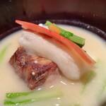 Kotaro - 鰤の照り焼きの酒粕白味噌の雑煮
