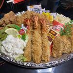 ひさし - 料理写真:豪華揚げ物のラインナップのオードブルなり(^_^;)