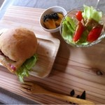 玄季旬菜食堂 こにこ - 天然酵母バーガーモーニング /飲み物付き ¥500-