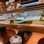 ひょうたん寿司 - 3Fのカウンターに