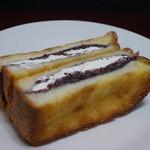 ジャンヌダルク フィスエペール - 小倉餡&ホイップのフレンチトースト