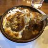 ヴァンカム - 料理写真:ハンバーグとカレーソースのチーズドリア