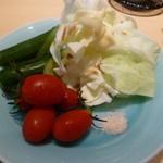 花木鳥 - サラダ(キャベツ・トマト・きゅうり)