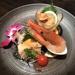 Kantonryouriminsei - 季節の前菜盛り合わせ: 蒸し鶏・ボタンエビの山椒醤油・ベビー帆立